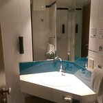 Photo de Holiday Inn Express Koln-Mulheim