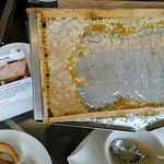 Vue chambre standard et miel dans son cadre