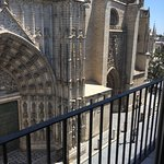 Photo de Apartamentos Puerta Catedral