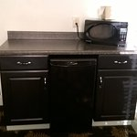 adjoining area microwave & fridge