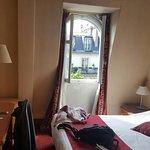 Photo de Hotel Royal Elysees