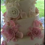 Wedding Cake by Leslie at Calico