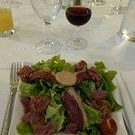 Menu à 32€ -une salade sud ouest -cassolette de langoustines -tarte mirabelles