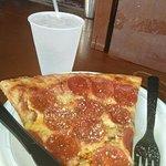 ภาพถ่ายของ East End Pizza