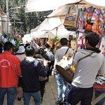 Procesión a la Virgen del Carmen en el Mercado de Pisac