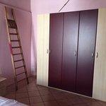 Camera da letto appartamento rosa
