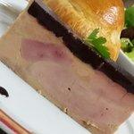Terrine de foie gras et sa gelée de vin chaud