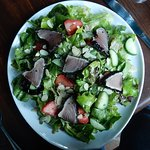 Green salad with seared tuna