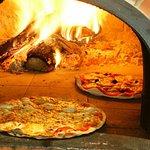 Pizza et lasagne cuit au feux de bois