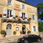 Photo de Hostellerie La Roseraie