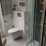 Hotel propre, bien situé, personnel accueillant...très bon séjour