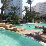Photo de Sahara Beach Hotel