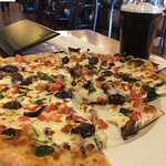 Veggie pizza and the stout