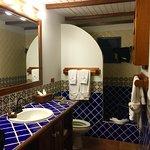 Photo de Hamanasi Adventure and Dive Resort