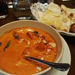 Butter chicken and cheesy naan!
