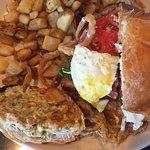 صورة فوتوغرافية لـ American Harvest Eatery