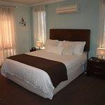Guest Room 1 (208560723)