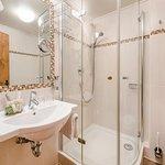Bad Doppelzimmer de Luxe (Beispiel)