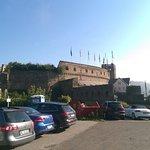Sicht auf ein Teil des Hotels und der Burg