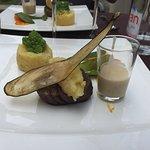 Admirez la tranche d'aubergine séchée posée sur le plat!