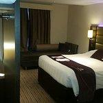 Photo de Premier Inn Gatwick Crawley Town West Hotel