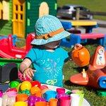 jardin pour enfant avec les jeux