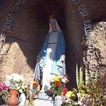 Gruta de la Virgen de la Medalla Milagrosa