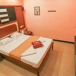 OYO 10459 Hotel Gnana SRM Residency