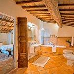 Bagno confortevole - Comfortable bathroom