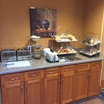 Foto di Econo Lodge Inn & Suites University
