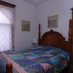Spurs N Lace Bed and Breakfast, Sunflower Room, ground floor