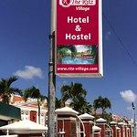 The Ritz Village Hotel Foto