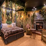 Jungle Theme Suite with Fireplace