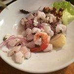 ceviche de mariscos y pescado