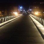 vanaf een romantische brug