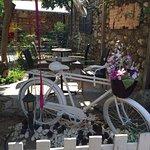 Foto de Dem-lik Cafe Bar