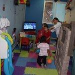 Área de juegos para niños con servicio de niñera