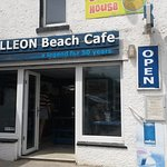 GALLEON Beach Cafe at Polzeath Beach - give it a miss!!!!!!