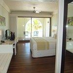 Holland House Beach Hotel Foto