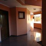 Photo de House Inn Apart Hotel