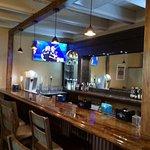 Ninos Bar