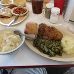 Chicken and Dumplings, mashed potatoes, green beans, fried green tomatoes and a dinner roll. Yum