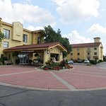 La Quinta Inn Pittsburgh Airport Photo