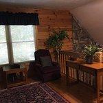 Photo de Bearly Rustic Cabin Rentals