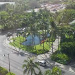 View to the corner that leads to Waikiki beach via the Hilton Hotel grounds