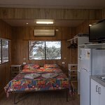 Self Contained Cabin Queen size bed