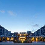 雷東多海灘及碼頭皇冠假日酒店