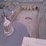 Vista del patio central desde la torre