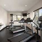 Country Inn & Suites Houston NW Fitness Center