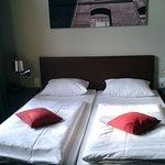 Hotel Volksschule Foto